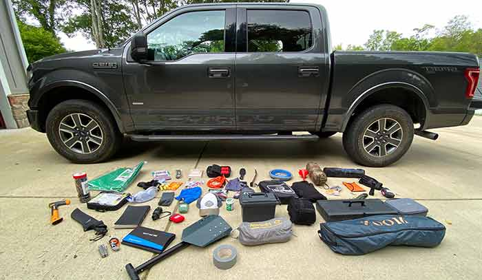 16 Essential Tools and Gear to Keep in your Car
